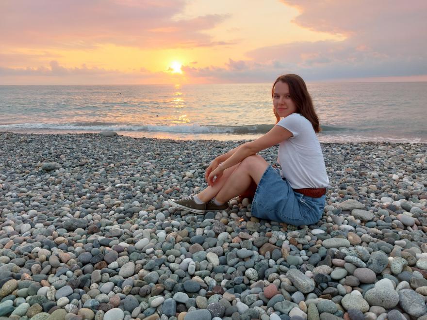 Яна Засимович на пляже в Батуми