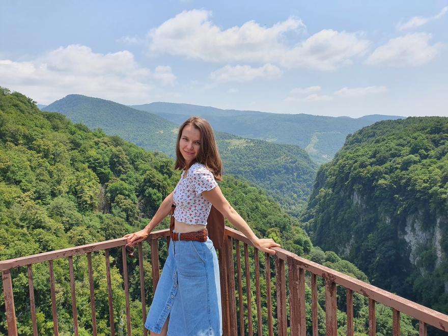 Яна во время путешествия по каньону Окаце
