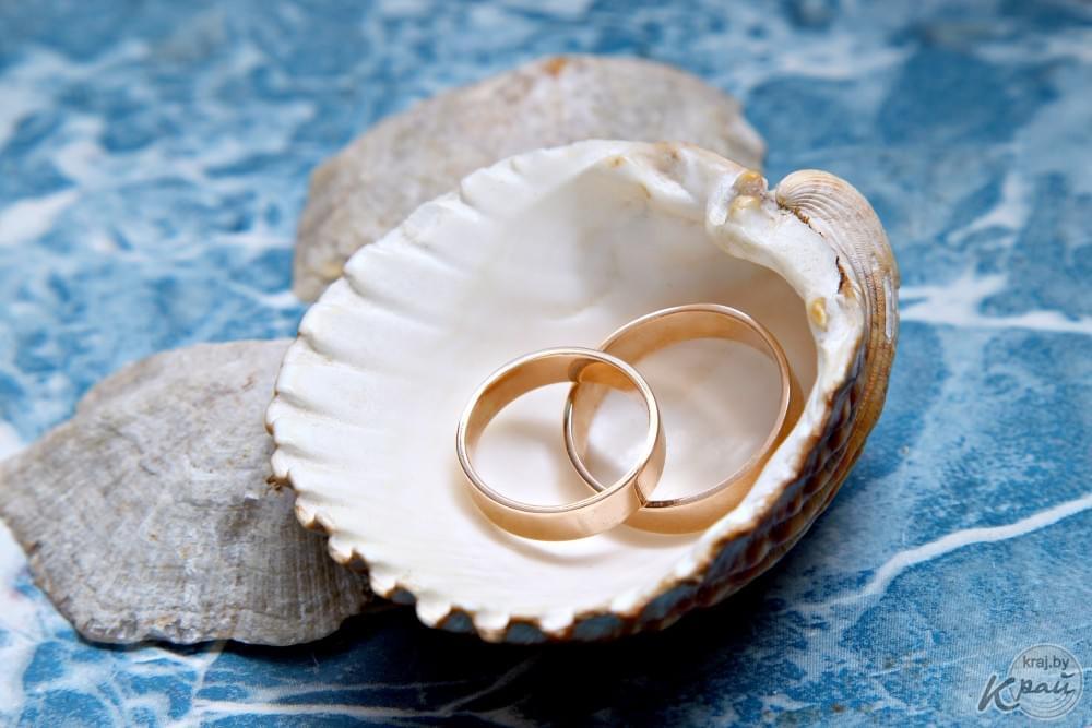 картинка на месяц свадьбы самом